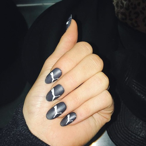 statement manicure