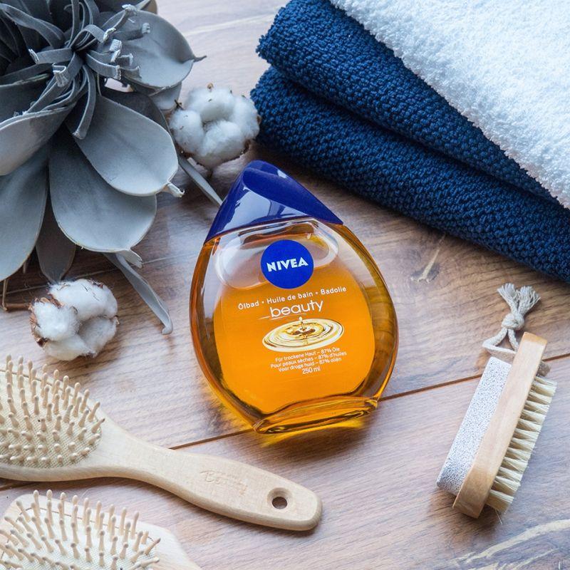 A különféle bőrápoló olajok mentőövet jelentenek a száraz bőr számára, amely az év ezen szakában