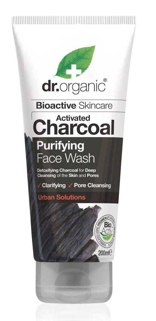 Dr. Organic Mélytisztító arctisztító aktív szénnel, rúzs és más