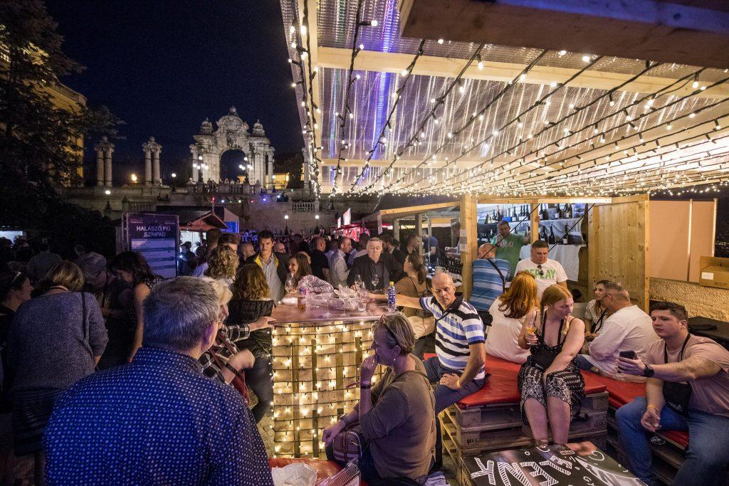 Budapest Borfesztivál, Buda Vár, programajánló, rúzs és más