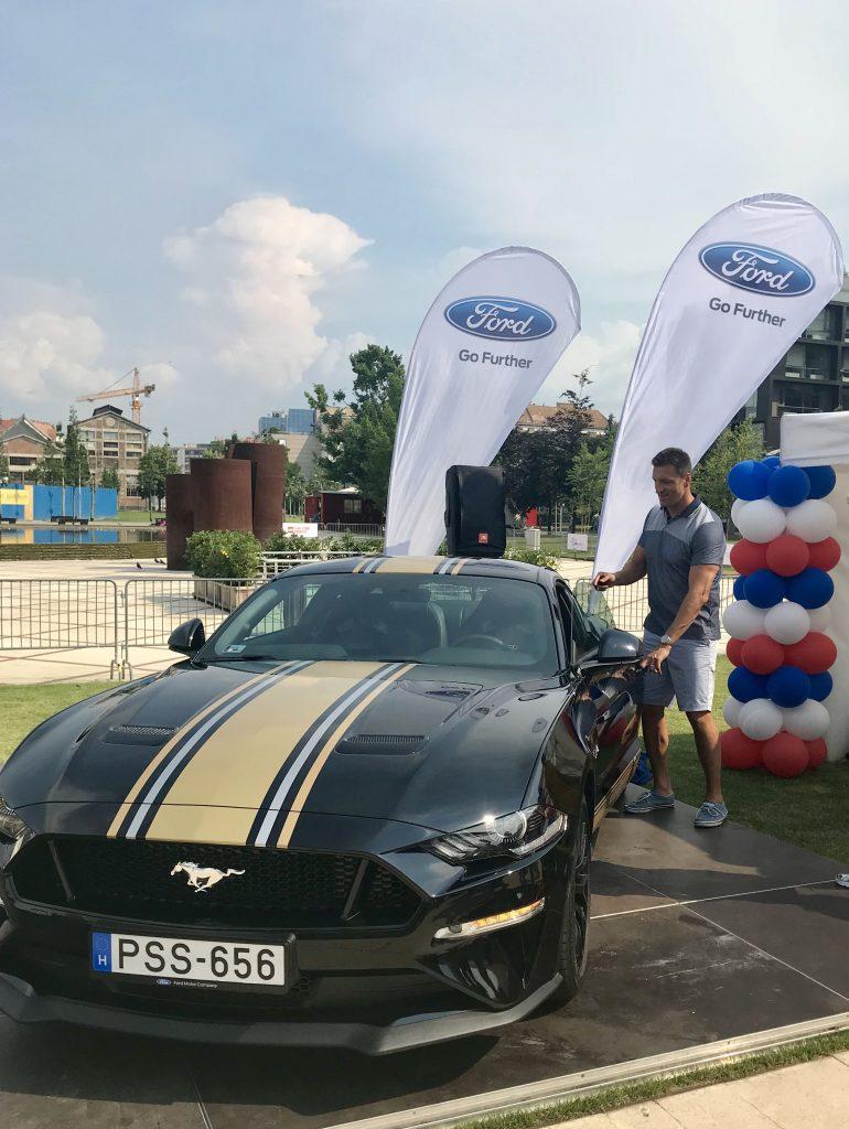 Ford Mustang, Kis Gergely, Lego világrekord, rúzs és más