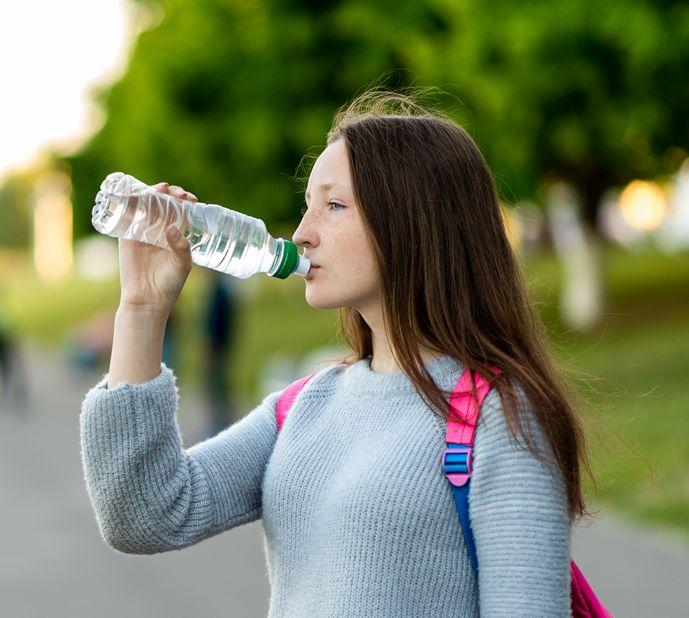 hidratáció, coca-cola, kutatás, felmérés, vízivás, folyadékbevitel, rúzs és más