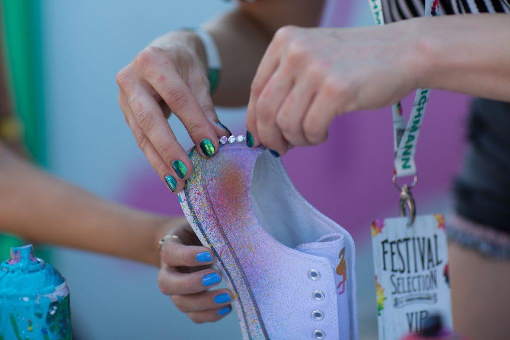 deichmann, dent kicks custom, cipő, egyedi, sziget fesztivál, rúzs és más