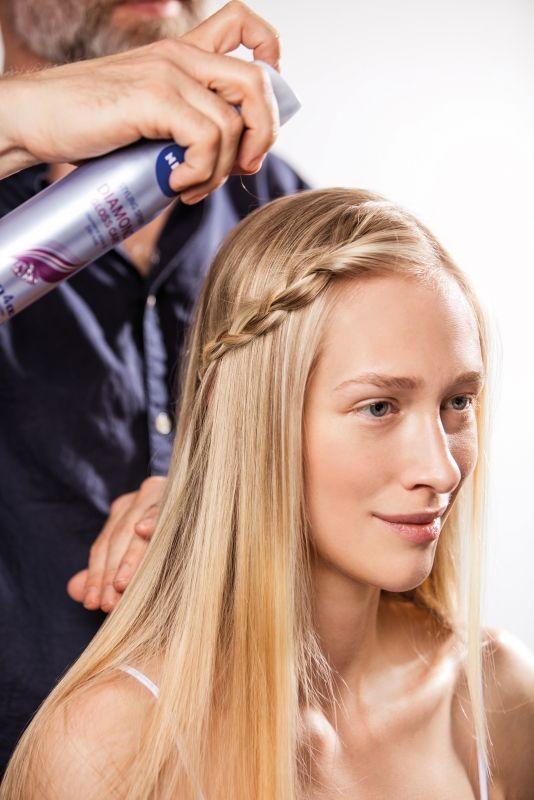 nyári frizurák, hajtrend, nivea, hajformázás, hajformázó, újraformázható, hajlakk, forming spray, rúzs és más