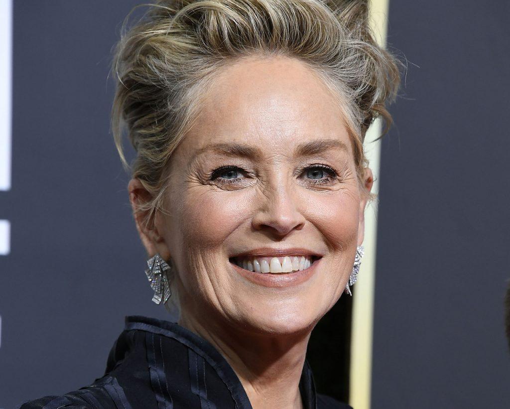 korosodó, hírességek, sztárok, szépen öregedő, öregedés, Sharon Stone, rúzs és más