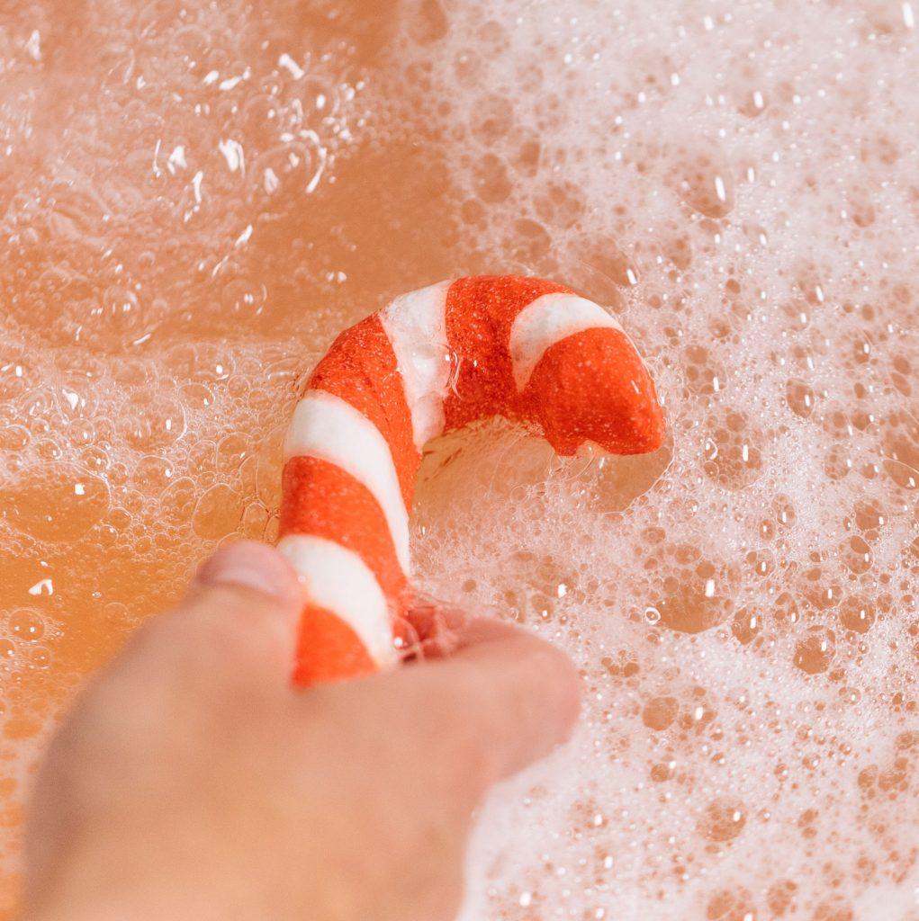 lush, mikulás, télapó, rudolph, santa, illatos, fürdőbomba, fürdőkozmetikum, habfürdő, kendőcsomagolás, környezetbarát, rúzs és más