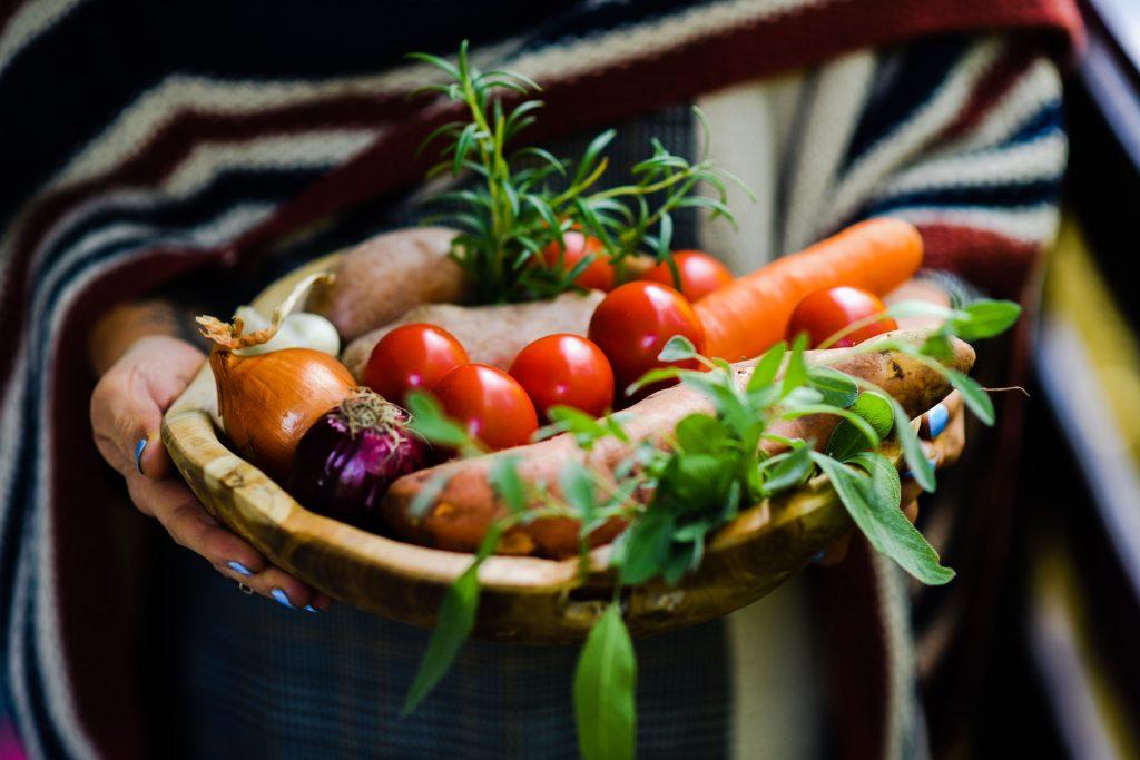 dietetikus, holisztikus dietetika, egészség, életmód, fogyás, gyógyulás, életmód váltás, Pinviczky Dóri, rúzs és más, dietetika