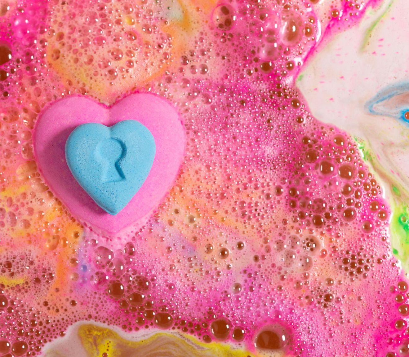 lush. love locket. valentine, 2020, fürdőbomba, szerelem, tipp, szappan, szerelemhajó, rúzs és más