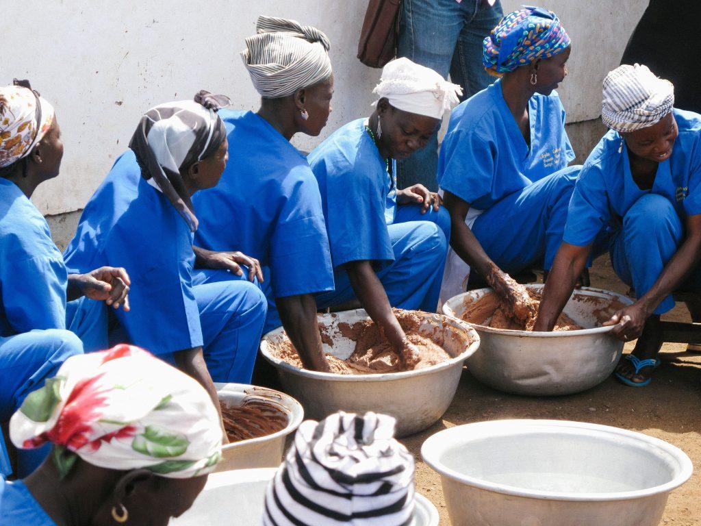 lush, fair trade, női közösség, támogatás, megélhetés, társadalmi felelősségvállalás, rúzs és más