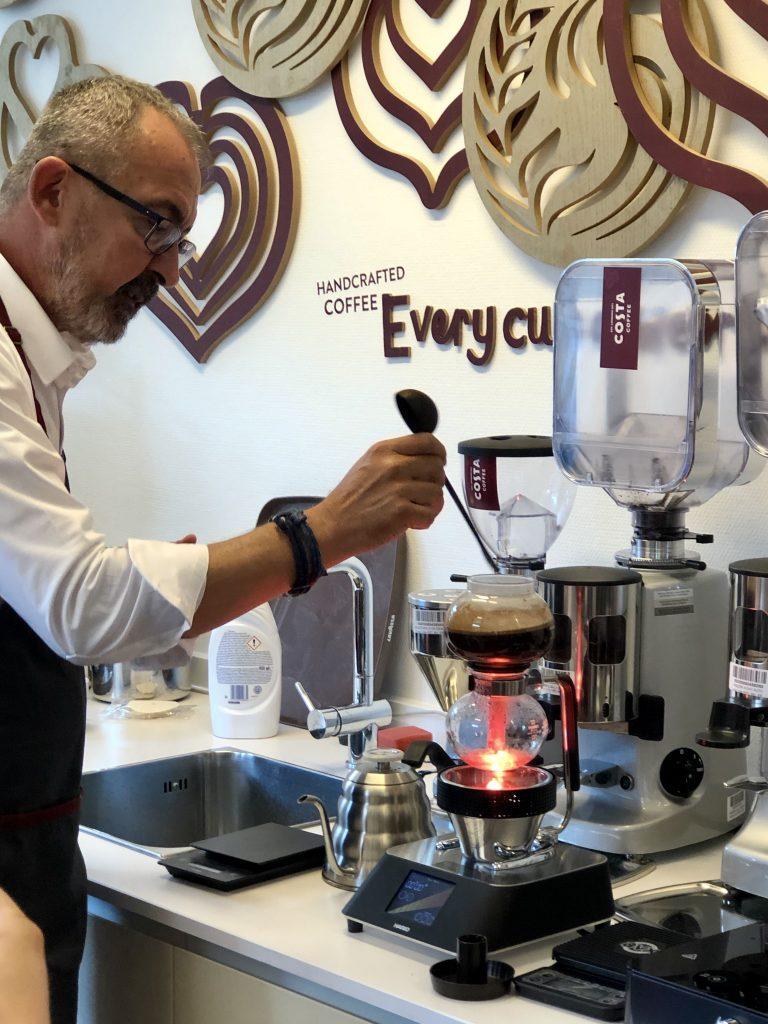 costa coffee, kávé, d.tóth kriszta, nagykövet, görög zita, márka, márkabevezetés, exkluzív, minőségi, kávéfogyasztás, pörkölés, blend, rúzs és más, gasztro, gasztronómia