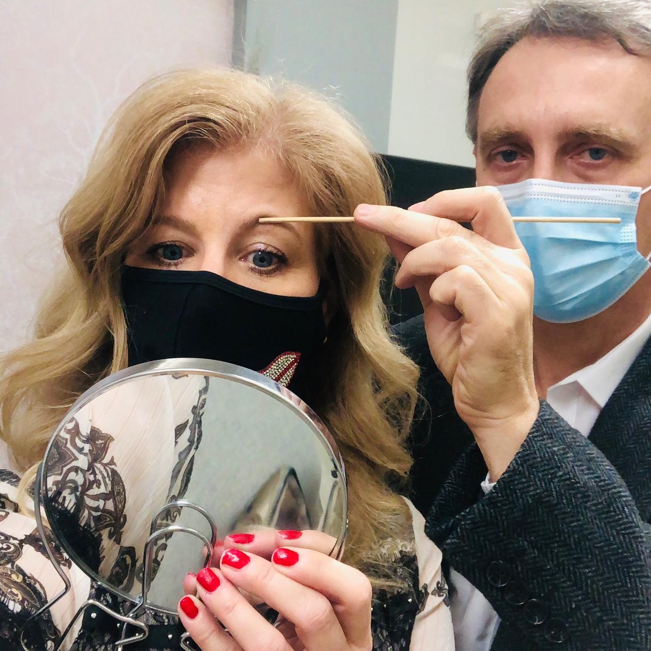 dr.boros lászló, boros lászló, szemhéjplasztika, szemhéjkorrekció, szemhéjfelvarrás, plasztikai, plasztikai sebész, rúzs és más, beavatkozás, szépészeti, szemhéjplasztika mindenkinek, lógó szemhéj, arcfiatalítás