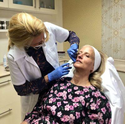 arcfeltöltés, bőrgyógyász, arcszobrászat, ajakfeltöltés, hialuronsavas feltöltés, dr. altmayer anita, altmayer, altmayer anita, juvéderm, töltőanyag, rúzs és más, kipróbáltam, esztétikai kezelés