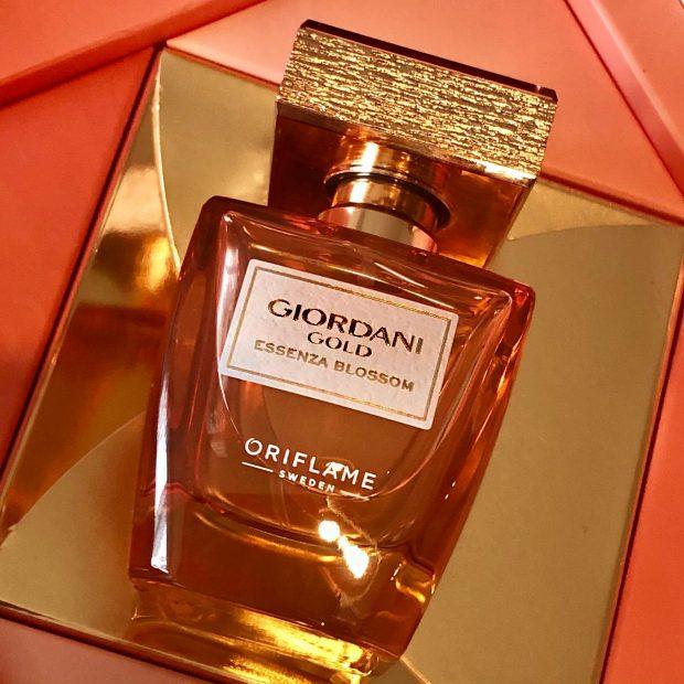 oriflame, essenza blossom, giordani gold, parfüm, illat, edp, beautybysweden, virágillat, rúzs és más