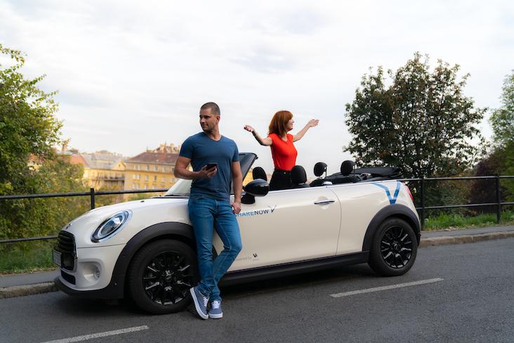share now, mini cabrio, fiat 500, autómegosztás, autómegosztó, carsharing, ruzs es mas, wallis, kocsi, kocsibérlés, közösségi autózás